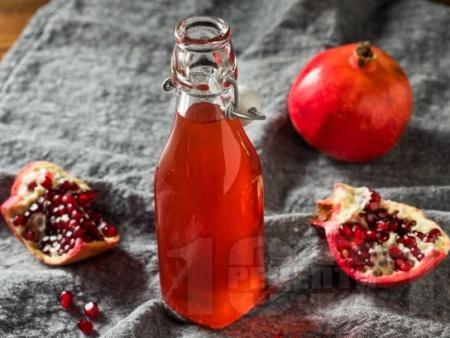 Лесен домашен гренадин със сок от нар - снимка на рецептата